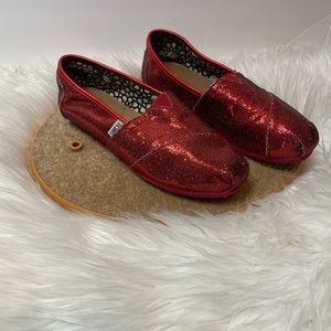 Red Glittery Toms